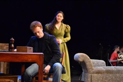 Reuben Walker as Captain Keeney and Natalie Weinberg as Mrs. Keeney in Ile